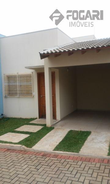Rua Nazareth Virgínia Pereira Dias, Aragarça, Londrina - Pr - Cep 86038480